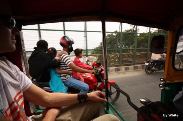 sposoby poruszania się motorem w indiach