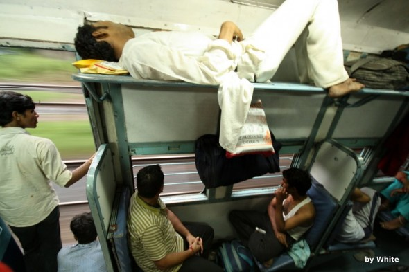Druga klasa w pociągu indyjskim