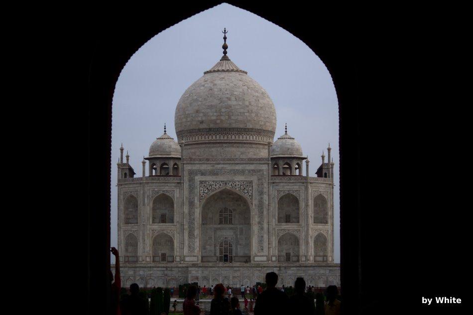 Taj Mahal o świcie