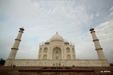 Taj Mahal - niebieskie niebo nad nim ;)