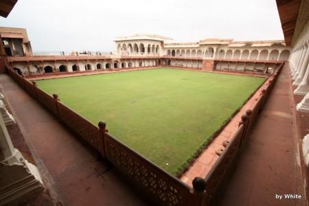 Agra fort - wewnętrzny dziedziniec