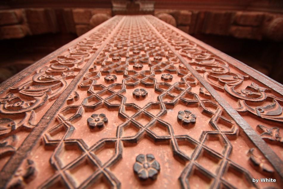 Agra Fort - ornamenty na ścianach