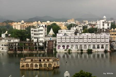 Udaipur z hotelu